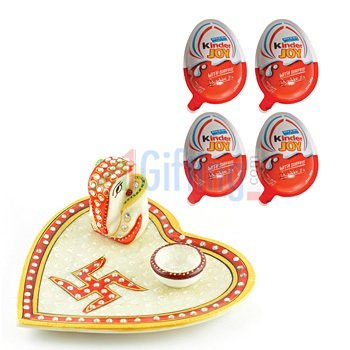 Kinder Joy Chocolate Pack of 4 with Heart Shape Marble Pooja Thali