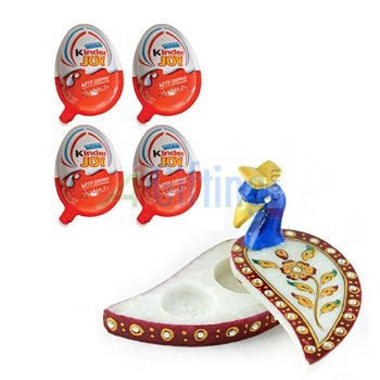 Kinder Joy Chocolate Pack of 4 with Handicraft Marble Peacock Chopra