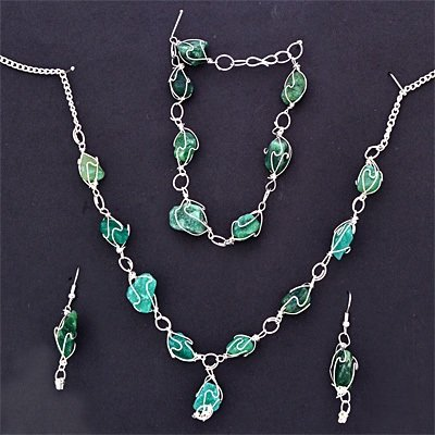 Green Stones Necklace Set with Bracelet