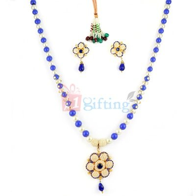 Beautiful Floral Necklace with Locket and Earrings