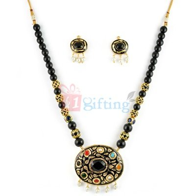 Black Thewa Jewellry Necklace with Earrings