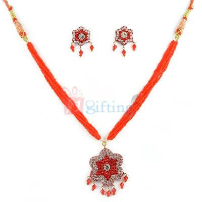 Party Wear Flower Diamond Lacquer Necklace with Earring Set
